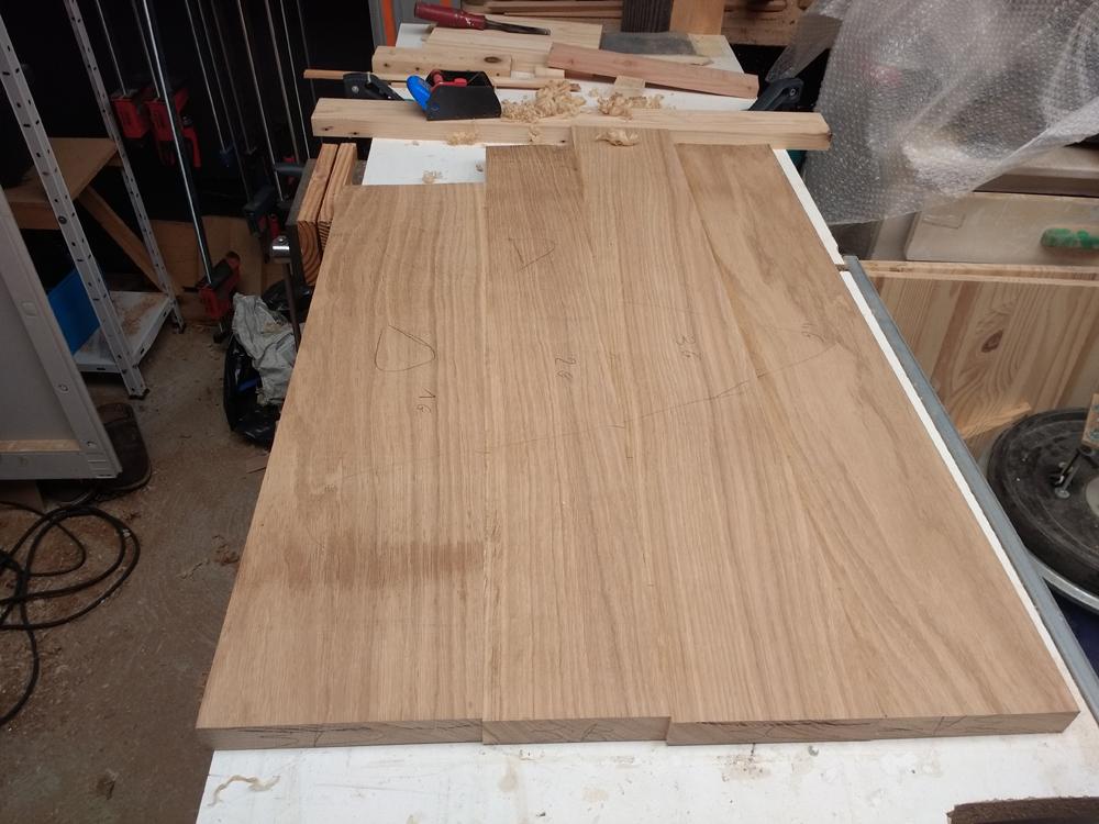 Une table basse pompée Tb_10