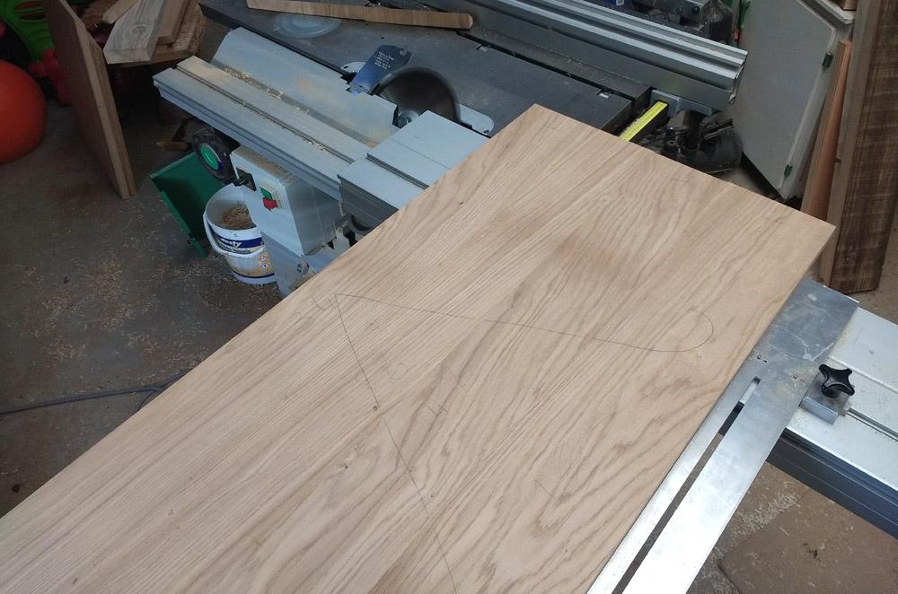 Une table basse pompée Tb_14