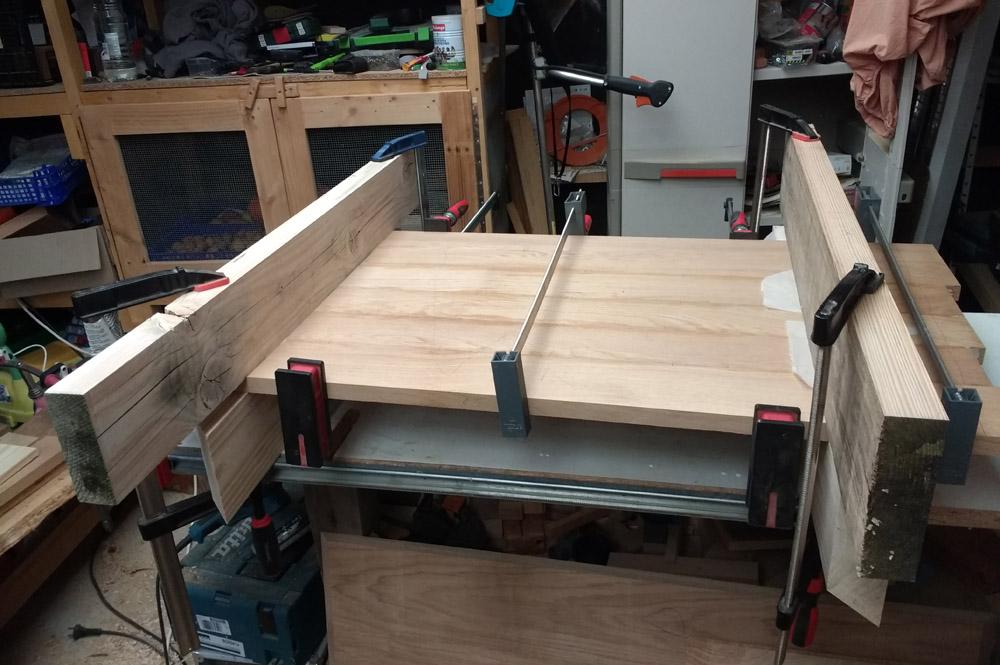 Une table basse pompée Tb_39