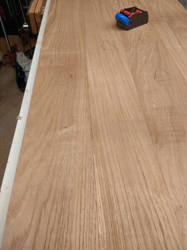 Une table basse pompée Tb_8